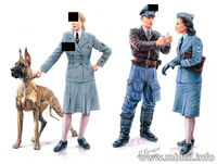 Women at War series:  Luftwaffe Helferinnen (4 figures)