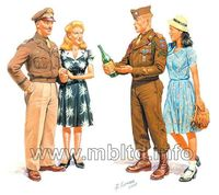 Europe 1945 - 2 GI Joes with females